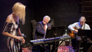 Sandy Stoddard Trio @ Guilford Town Green | Guilford | Connecticut | United States
