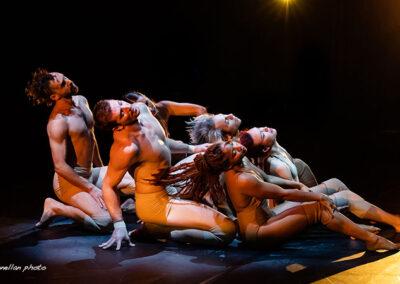 "Pilobolus performing ""Come to Your Senses"""
